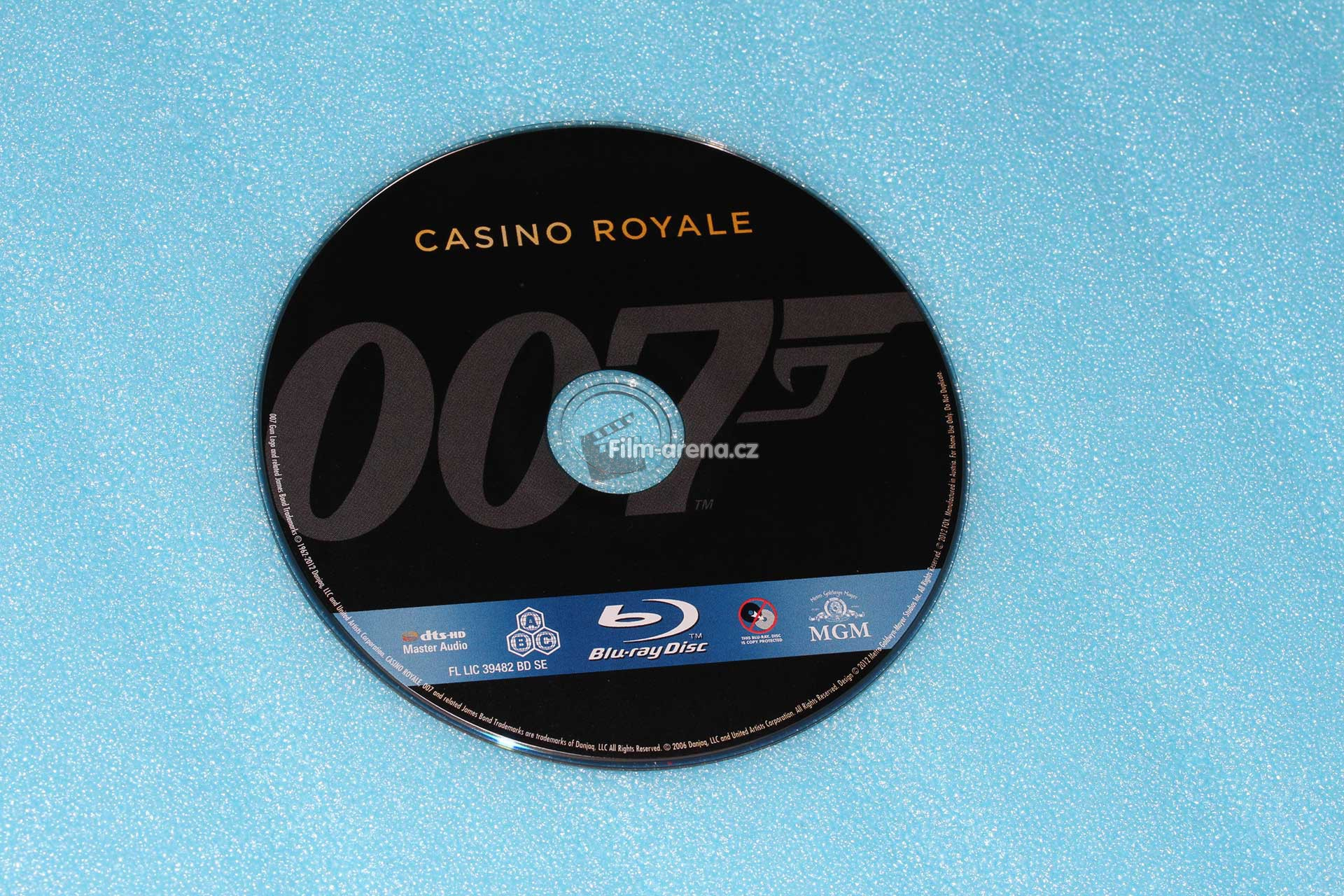 http://www.filmarena.cz/upload/images/nazivo/James_Bond/2006_Casio_royale/2006_casino_06.jpg