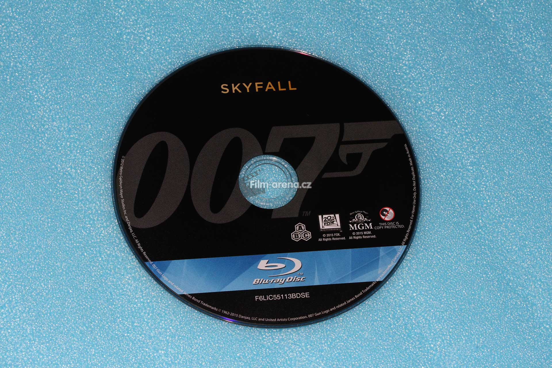 http://www.filmarena.cz/upload/images/nazivo/James_Bond/2012_Skyfall/2012_skyfall_06.jpg